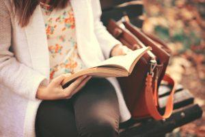 libri sulla spiritualità ragazza