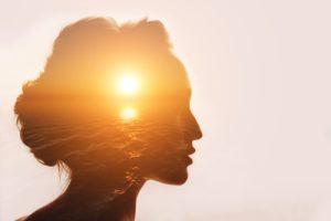 meditazione fa bene al cervello donna
